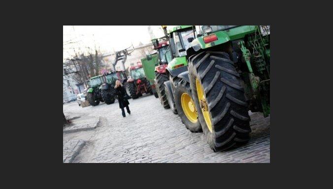 Atvieglos administratīvo slogu lauksaimniekiem