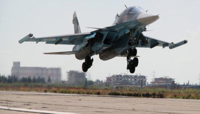 Krievija Sīriju izmanto par laukumu savām jaunajām 'spēļmantiņām', analizē žurnāls