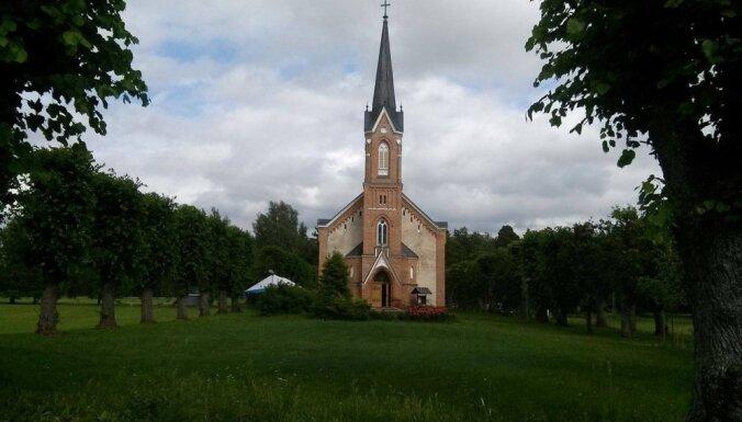 Čaks nemeloja – sprediķis Piņķu baznīcā bija! Par Jukuma Vācieša leģendāro runu strēlniekiem