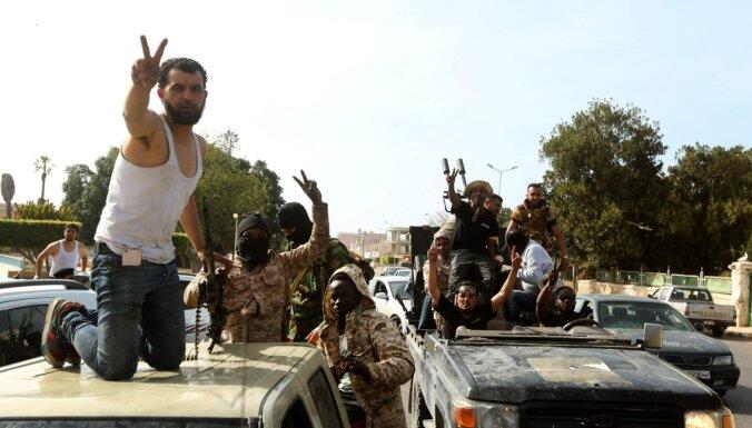 ES sākusi Vidusjūrā misiju ieroču plūsmas apturēšanai uz Lībiju