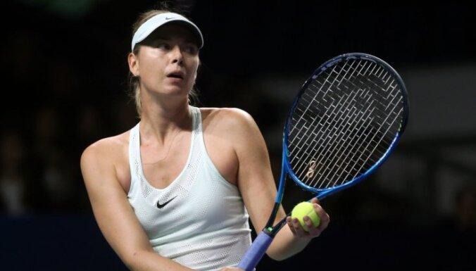 Шарапова проиграла в полуфинале турнира в Китае