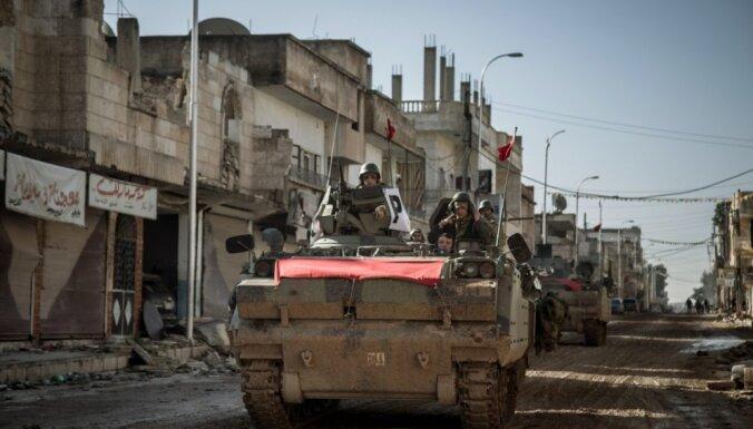 Turciju apsūdz 'kolektīva soda' piemērošanā kurdiem valsts dienvidaustrumos