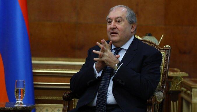 Armēnijas prezidentam pozitīvs Covid-19 tests