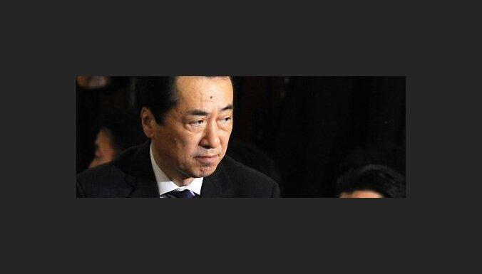 Japānas premjers Kans atkāpies no amata