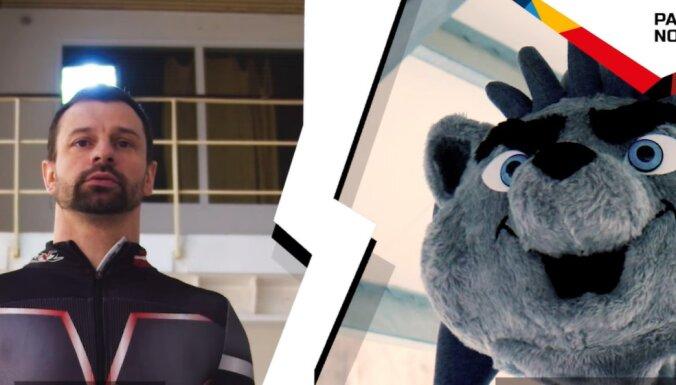 Video: Pasaules hokeja čempionāta talismans Spaikijs izaicina Martinu Dukuru