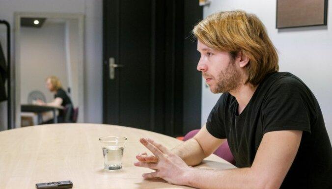 Mākslā nav jautājuma – latvietis vai krievs. Saruna ar režisoru Staņislavu Tokalovu