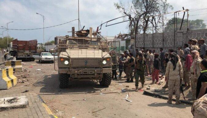 Saūda Arābija slēdz jūras, gaisa un sauszemes pieeju Jemenai