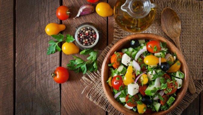 Fetas - dārzeņu un olīvu salāti