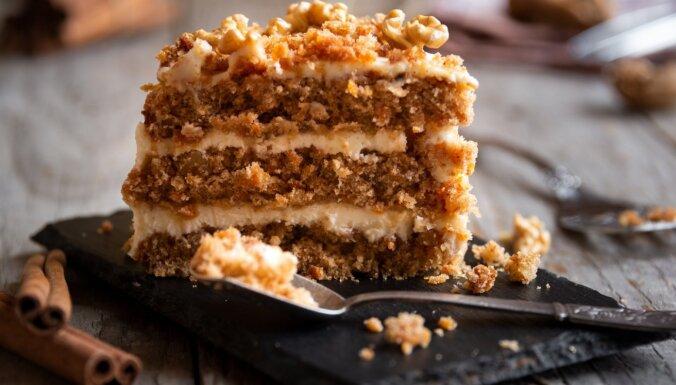 Rudens sulīgais saldums 20 burkānu kūkas receptēs