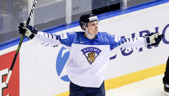 Финский хоккеист Какко стал чемпионом мира и побил рекорд канадца Макдэвида