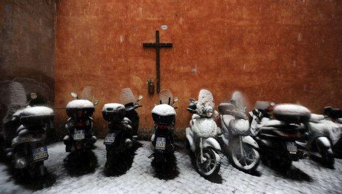 Fotoreportāža: sniegs Romā