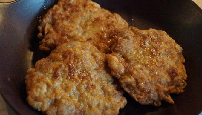 Foto recepte: viltotās karbonādes no maltās gaļas