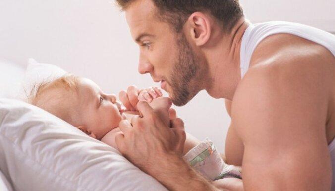 Kāpēc ir tik svarīgi, lai bērnu audzinātu arī tēvs - psihoterapeitu viedokļi