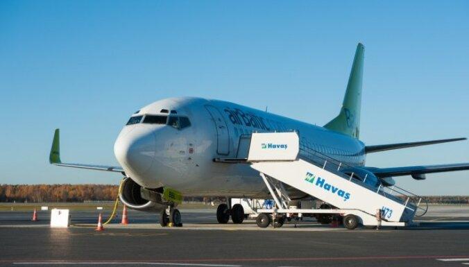 Lielākā daļa 'airBaltic' pasažieru Ljēžas lidostā gaida reisu atpakaļ uz Rīgu