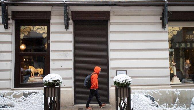 Austrijas tiesa atceļ prasību skolās obligāti nēsāt maskas