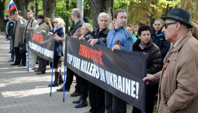 Prokremliski noskaņotie ļaudis Rīgā vēlas, lai Ukrainas valdība pārtrauc līdzdarboties terorismā