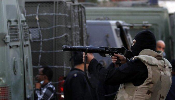 Ēģiptē aizturēti 'Al-Jazeera' žurnālisti, tostarp Austrālijas latvietis Pēteris Greste