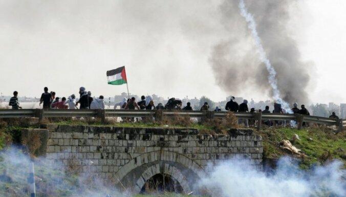 Izraēla paplašinās sauszemes spēku operāciju Gazas joslā