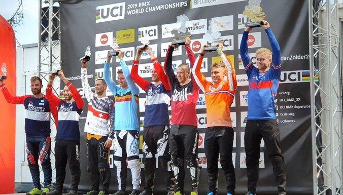 Lisovskis izcīna trešo vietu pasaules čempionātā amatieriem