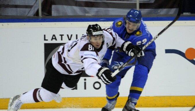 Fotoreportāža: Latvijas uzvara un Ņiživija rekordspēle