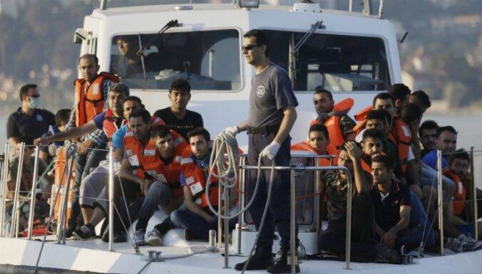 Turcija noliedz, ka tā Egejas jūrā bloķētu NATO misiju