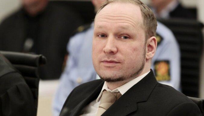 Брейвик: в тюрьме хотят довести меня до самоубийства
