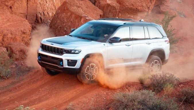 'Jeep' prezentējis jaunās paaudzes 'Grand Cherokee' apvidnieku