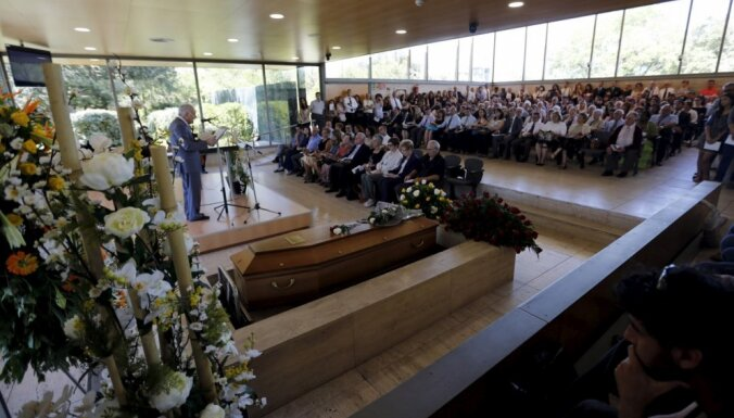 'Germanwings' katastrofas upuru ģimeņu advokāts prasa 200 000 eiro kompensāciju