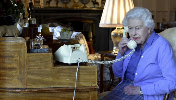 Britu karaļnams ļauj ielūkoties karalienes Elizabetes viesistabā