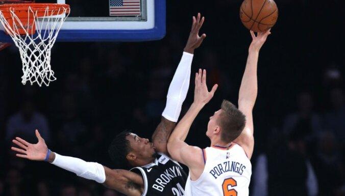 Порзиньгис набрал 15 очков в первом проверочном матче перед чемпионатом НБА