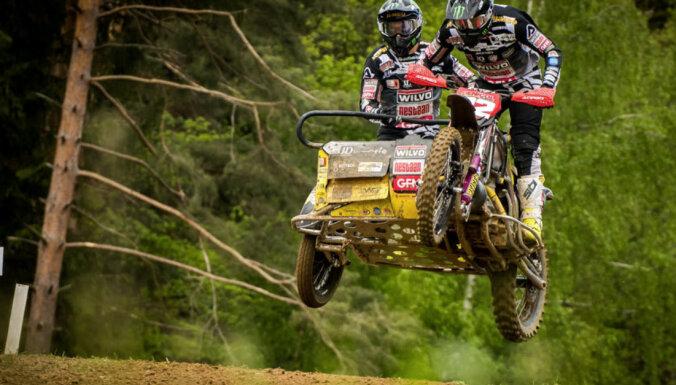 Stupelis kļūst par četrkārtēju pasaules čempionu blakusvāģu motokrosā