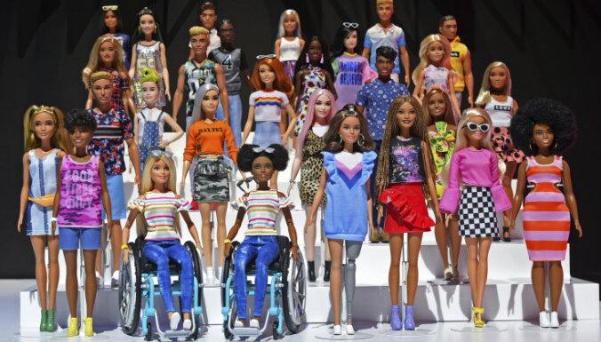 ФОТО. Барби в инвалидном кресле и герои популярных мультфильмов — в США представили новинки игрушек