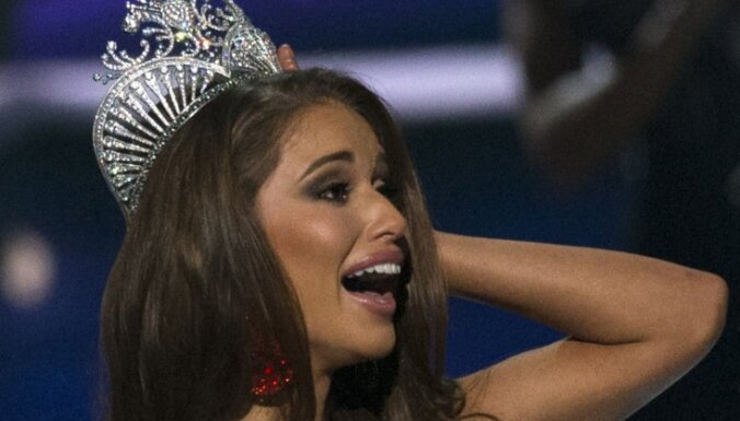 """ФОТО: """"Мисс США"""" стала обладательница черного пояса по тхэквондо"""
