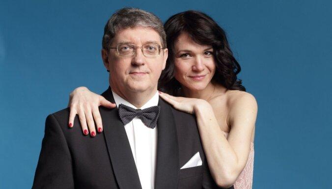 Žoržs Siksna ar sievu Annu iedziedājuši leģendāro 'Noktirni'