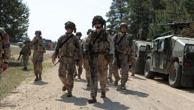 Латвия примет участие в военных учениях на Украине