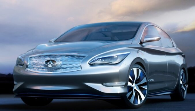 'Infiniti' elektromobilis uz 'Nissan Leaf' bāzes