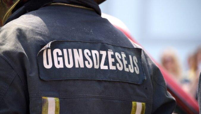 В воскресенье при пожаре в Саласпилсе пострадал человек