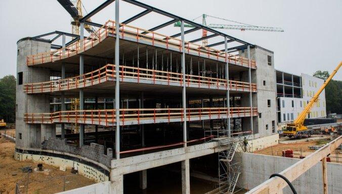 SBRE: Ažiotāža par Stradiņa slimnīcas jaunā korpusa būvdarbu kavēšanos rada neizpratni