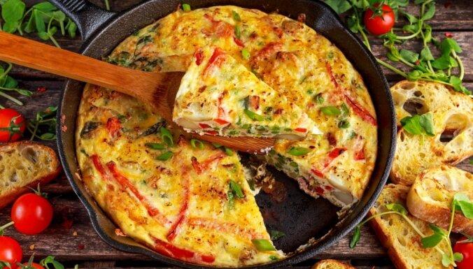 No Vācijas līdz Grieķijai: 7 Eiropā iecienītas omletes, kas jāpagaršo katram