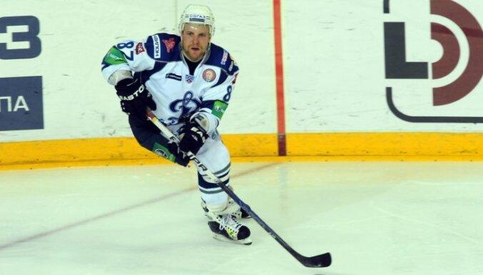 Somijas hokeja izlasē pārbaudes spēlēm ar Latviju iekļauts arī Komarovs