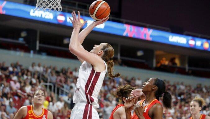 Latvijas basketbolistes mačā pret Spāniju pamodās par vēlu, secina Brumermane