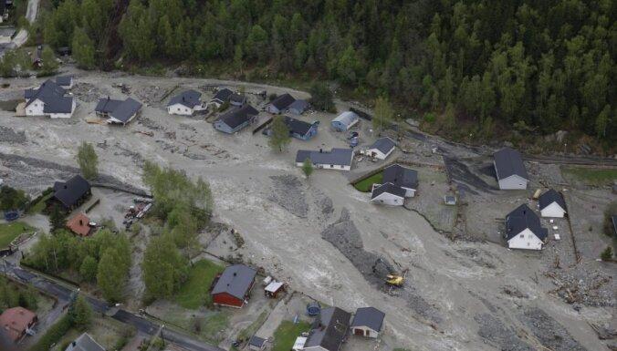 Kūstošais sniegs un lietavas izraisījušas plūdus Norvēģijā