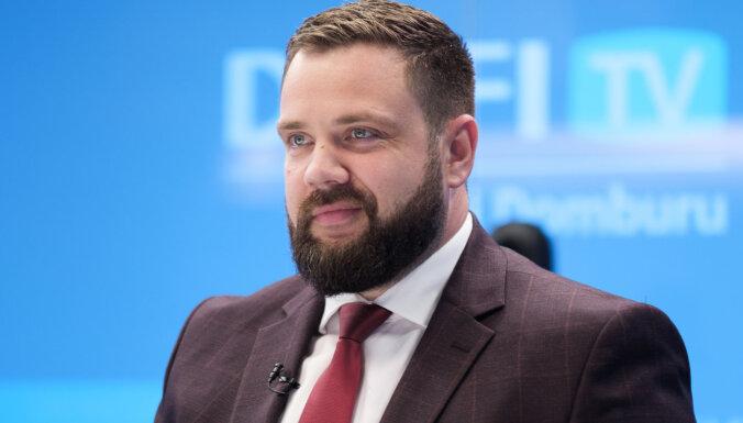 Министр экономики ушел в самоизоляцию после контакта с больным Covid-19