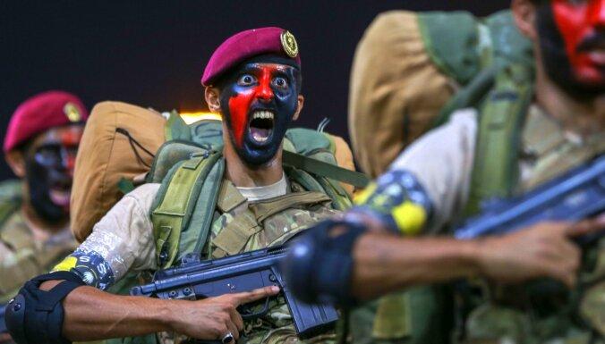 Foto: Saudarābi īpašā parādē demonstrē gatavību uzņemt Mekā svētceļniekus