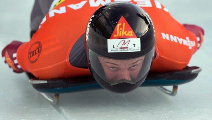 Мартин Дукурс выиграл четвертый из пяти этапов Кубка мира