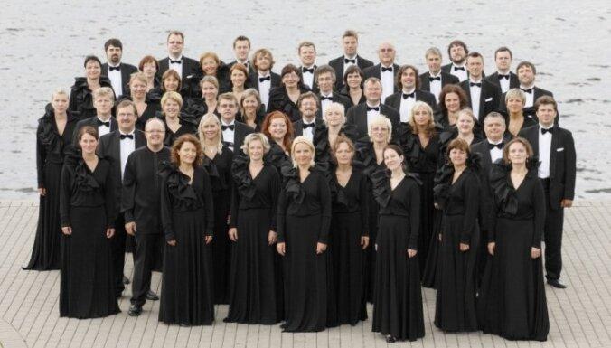 Noslēdzies konkurss par Māra Sirmā diriģētā kora 'Latvija' koncertu!