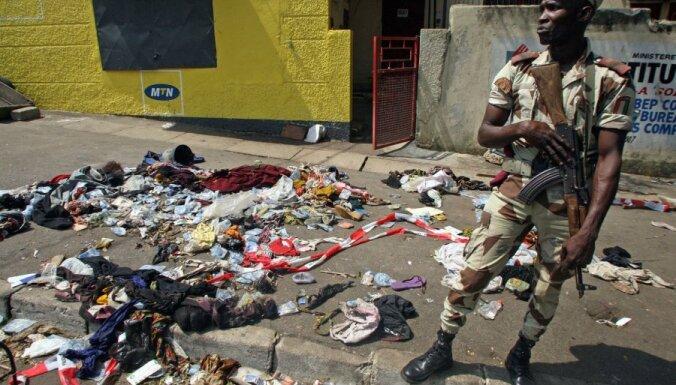 Abidžanā pūlis līdz nāvei sabradā 60 Jaungada salūta skatītājus; vēl 200 ievainoti