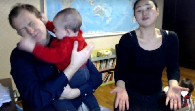 Video: Ģimene komentē pasaulslaveno interviju ar bērnu 'ielaušanos'