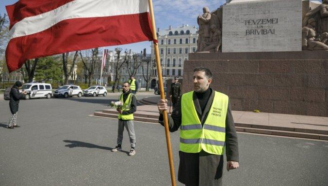 Jeremejeva pārstāvētajai 'Tautas varas frontei' aizliedz veikt publisko darbību