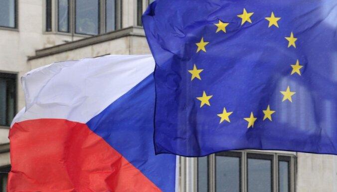 Čehijas Senāta vēlēšanās opozīcija nostiprina vairākumu